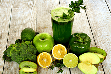 green smoothie with ingredients | eco healthy eating | Peace Evolution