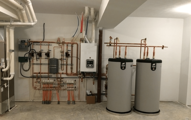 hydronics radiant heating and cooling installation with heat pumps | heating and cooling | Peace Evolution